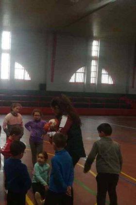 """jugando balonmano herencia navidad 3 280x420 - Navidades deportivas celebró """"Jugando al Balonmano"""""""
