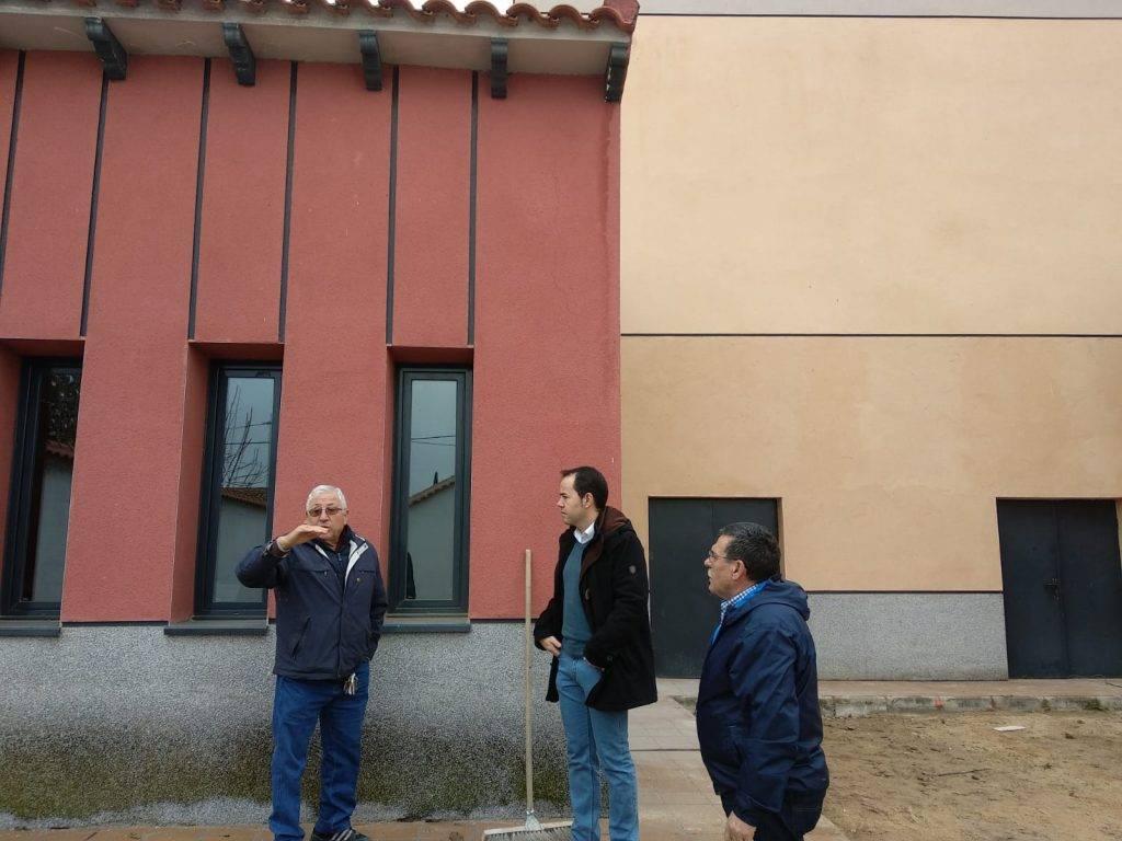 obras patio posterior Escuela de M%C3%BAsica de Herencia2 - Acometido el acabado del patio posterior al aire libre de la Escuela de Música