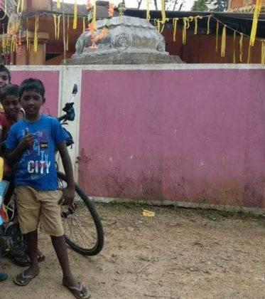viaje de perle por el mundo elias por Sri Lanka 44 373x420 - Perlé, por avatares del destino, recorriendo la isla de Ceilán.
