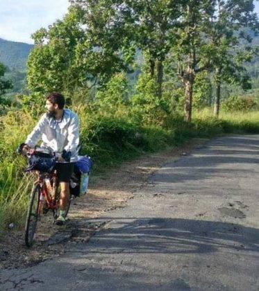 viaje de perle por el mundo elias por Sri Lanka 48 373x420 - Perlé, por avatares del destino, recorriendo la isla de Ceilán.