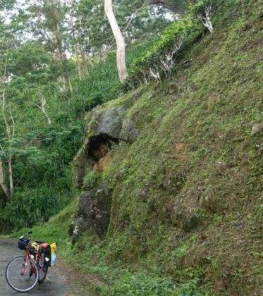 viaje de perle por el mundo elias por Sri Lanka 55 373x420 - Perlé, por avatares del destino, recorriendo la isla de Ceilán.