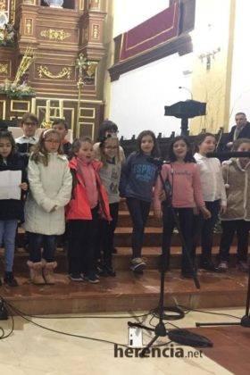 Galería del Festival navideño de villancicos en la parroquia de Herencia 20