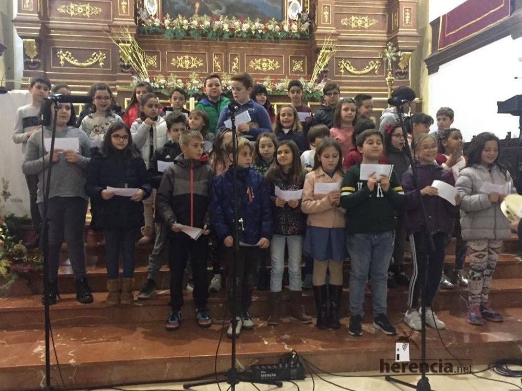 Galería del Festival navideño de villancicos en la parroquia de Herencia 29