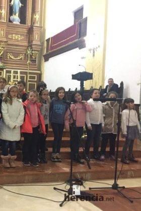 Galería del Festival navideño de villancicos en la parroquia de Herencia 24