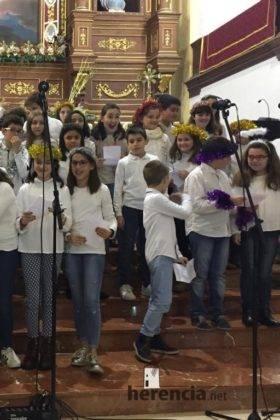 Galería del Festival navideño de villancicos en la parroquia de Herencia 28