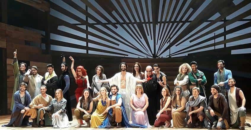 """La parroquia organiza un viaje para asistir a """"33 El Musical"""" 6"""
