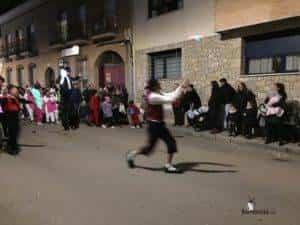 reyes magos 2019 herencia 12 300x225 - Los Reyes Magos de Oriente repartieron ilusión en Herencia
