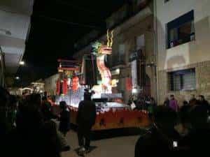 reyes magos 2019 herencia 9 300x225 - Los Reyes Magos de Oriente repartieron ilusión en Herencia