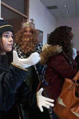 reyes magos herencia en residencia merced 11 280x420 - Los Reyes Magos visitaron la Residencia de la Merced