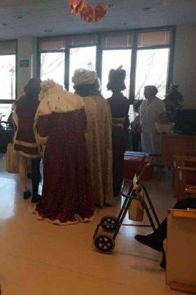 reyes magos herencia en residencia merced 16 280x420 - Los Reyes Magos visitaron la Residencia de la Merced