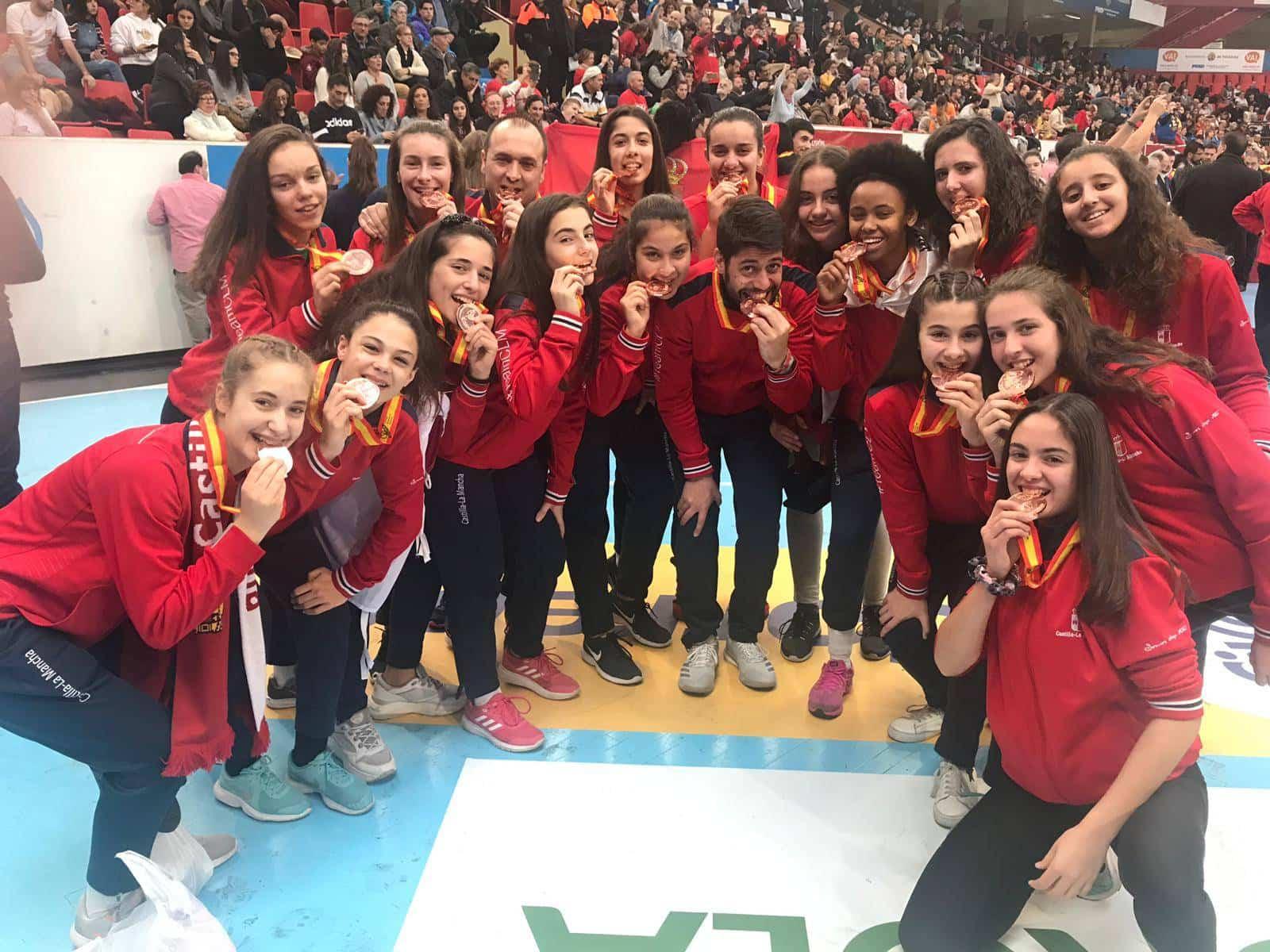 seleccion femenina infantil balonmano castilla la mancha - Enhorabuena a los herencianos por sus éxitos en la Copa de España de balonmano