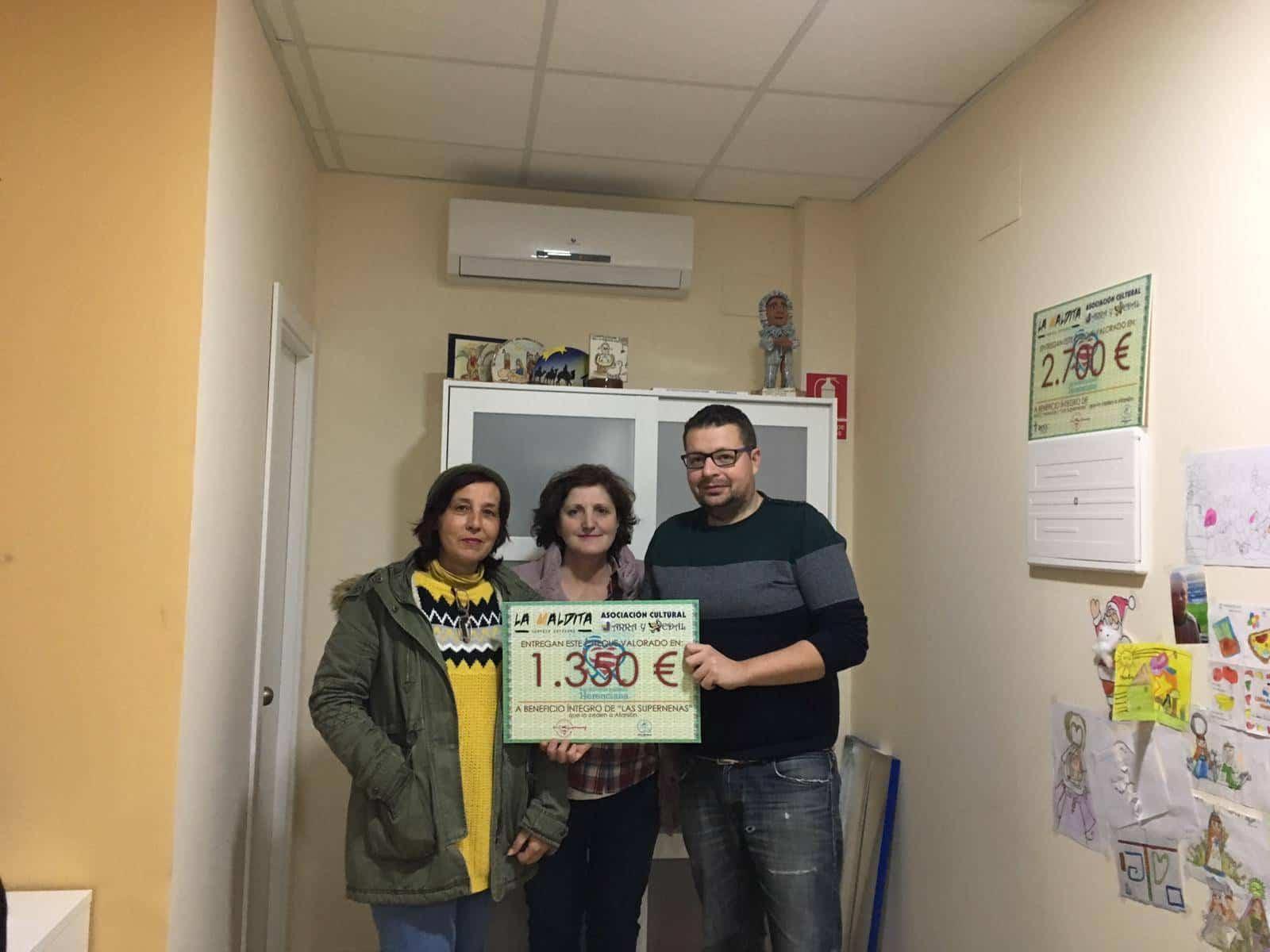 Jarra y Pedal entrega del donativo solidario a Las Supernenas - Jarra y Pedal y La Maldita entregan el dinero de la San Silvestre a Las Supernenas y a la AECC