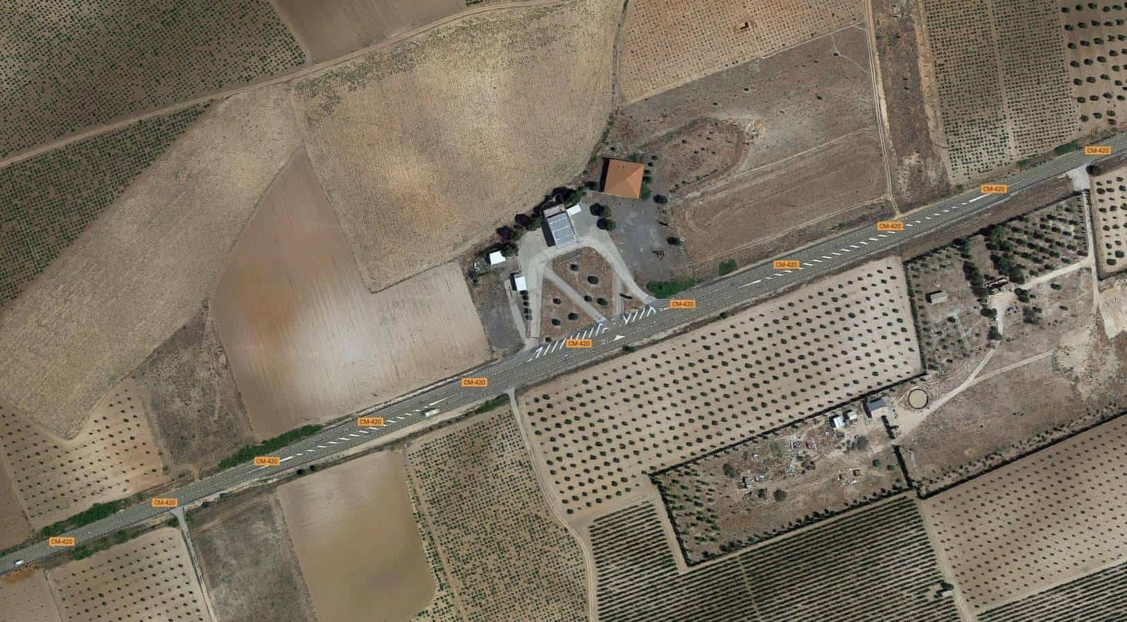 Imagen de vista aérea de Google Maps en la zona de la CM-420.