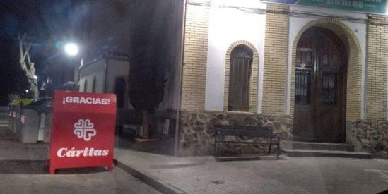contenedores caritas 549x275 - Ayuntamiento y Cáritas Diocesana de Ciudad Real convenían la recogida de ropa usada