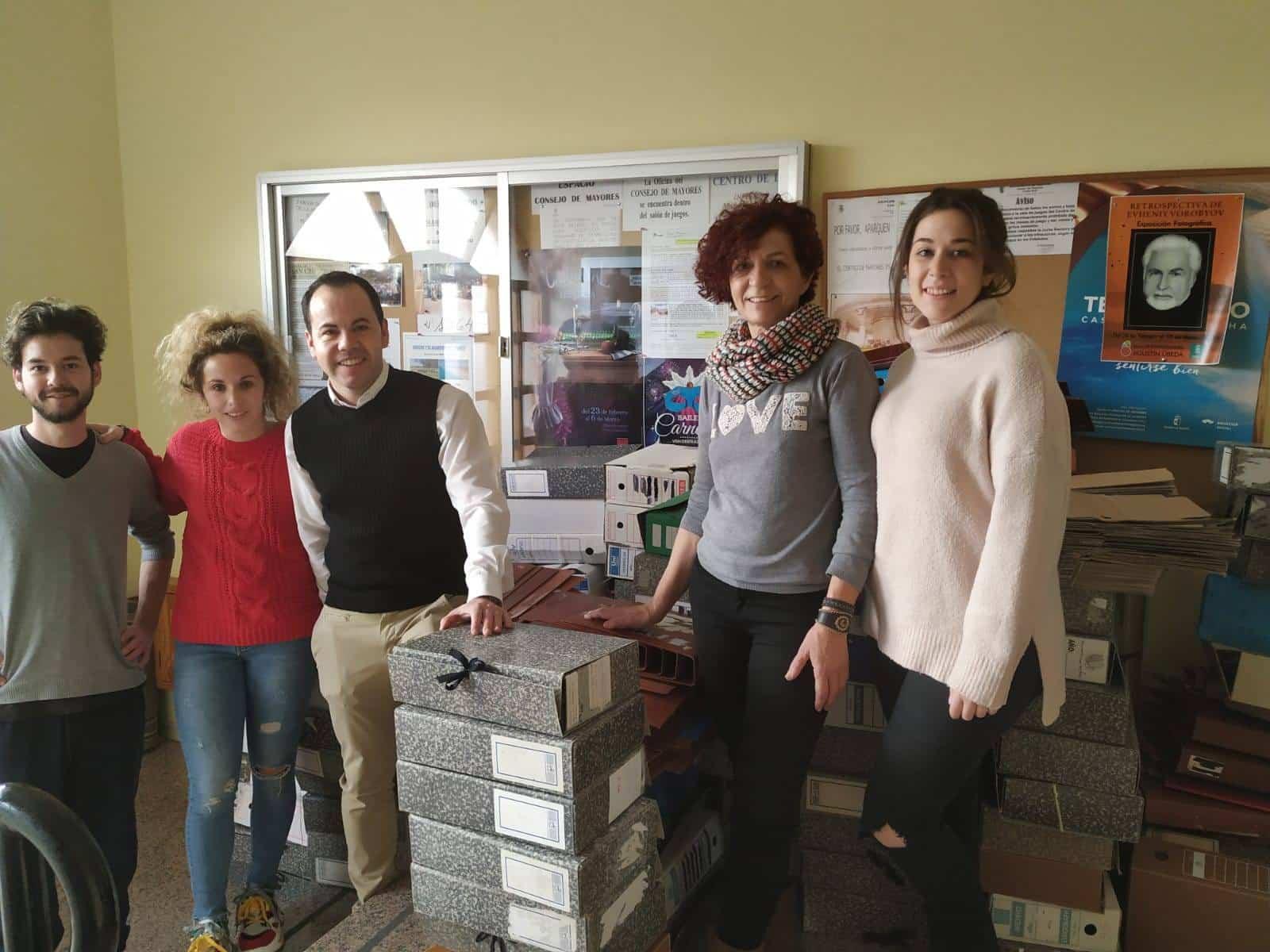 """entrega del material reutilizable pueblo saharaui herencia - Entrega de material reutilizable a la Asociación Amigos del Pueblo Saharaui """"El Ulai"""""""
