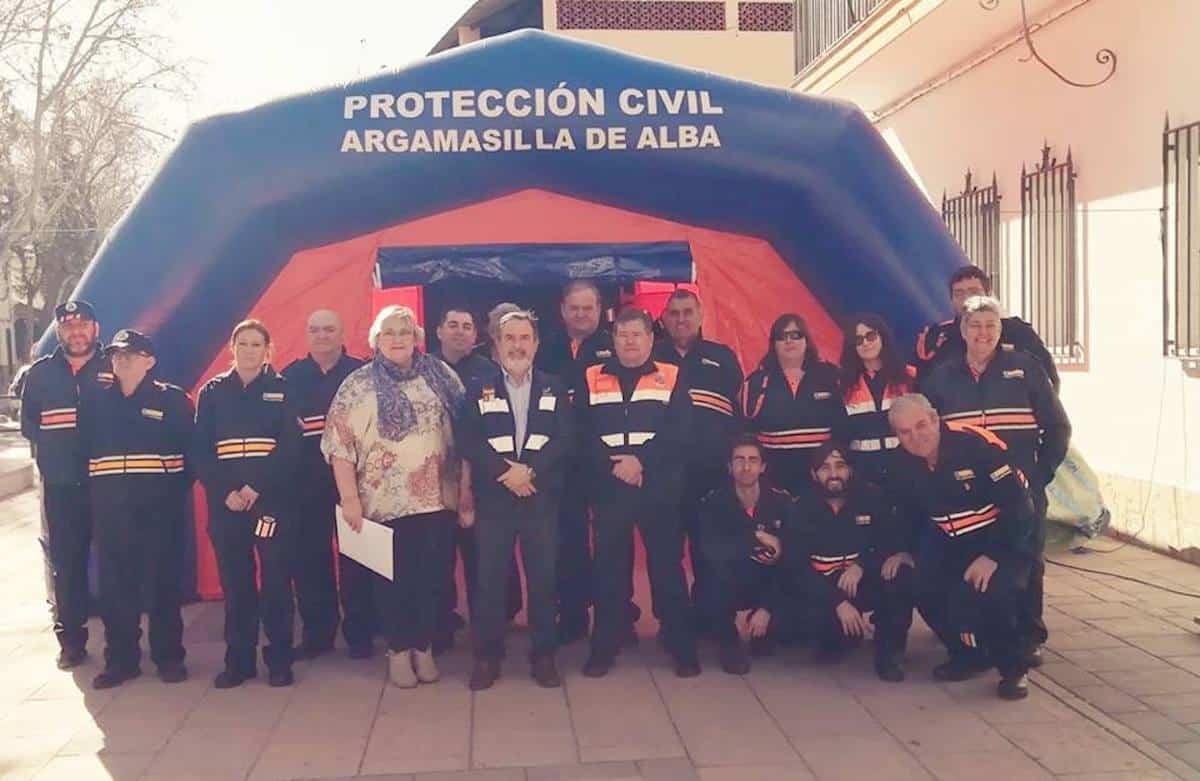 entrega material proteccion civil argamasilla 3 - Entrega de material subvencionado para Protección Civil en Argamasilla de Alba