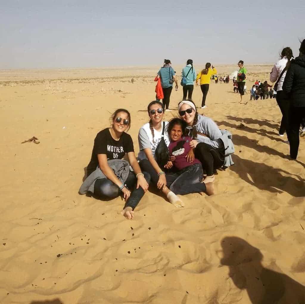 Tres jóvenes herencianas visitan los campamentos de refugiados saharauis 3