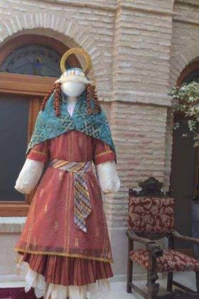 exposicion trajes carnaval herencia 15 280x420 - Fotografías de la Exposición de trajes del Carnaval de Herencia