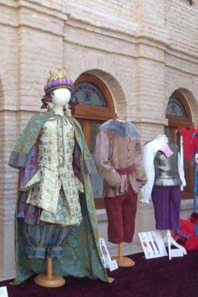 exposicion trajes carnaval herencia 20 280x420 - Fotografías de la Exposición de trajes del Carnaval de Herencia