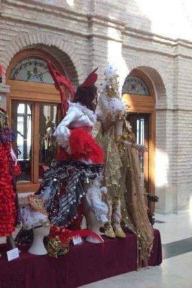 exposicion trajes carnaval herencia 25 280x420 - Fotografías de la Exposición de trajes del Carnaval de Herencia