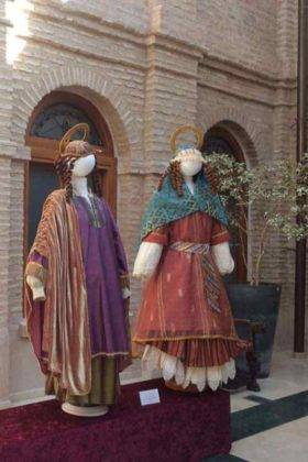 exposicion trajes carnaval herencia 9 280x420 - Fotografías de la Exposición de trajes del Carnaval de Herencia