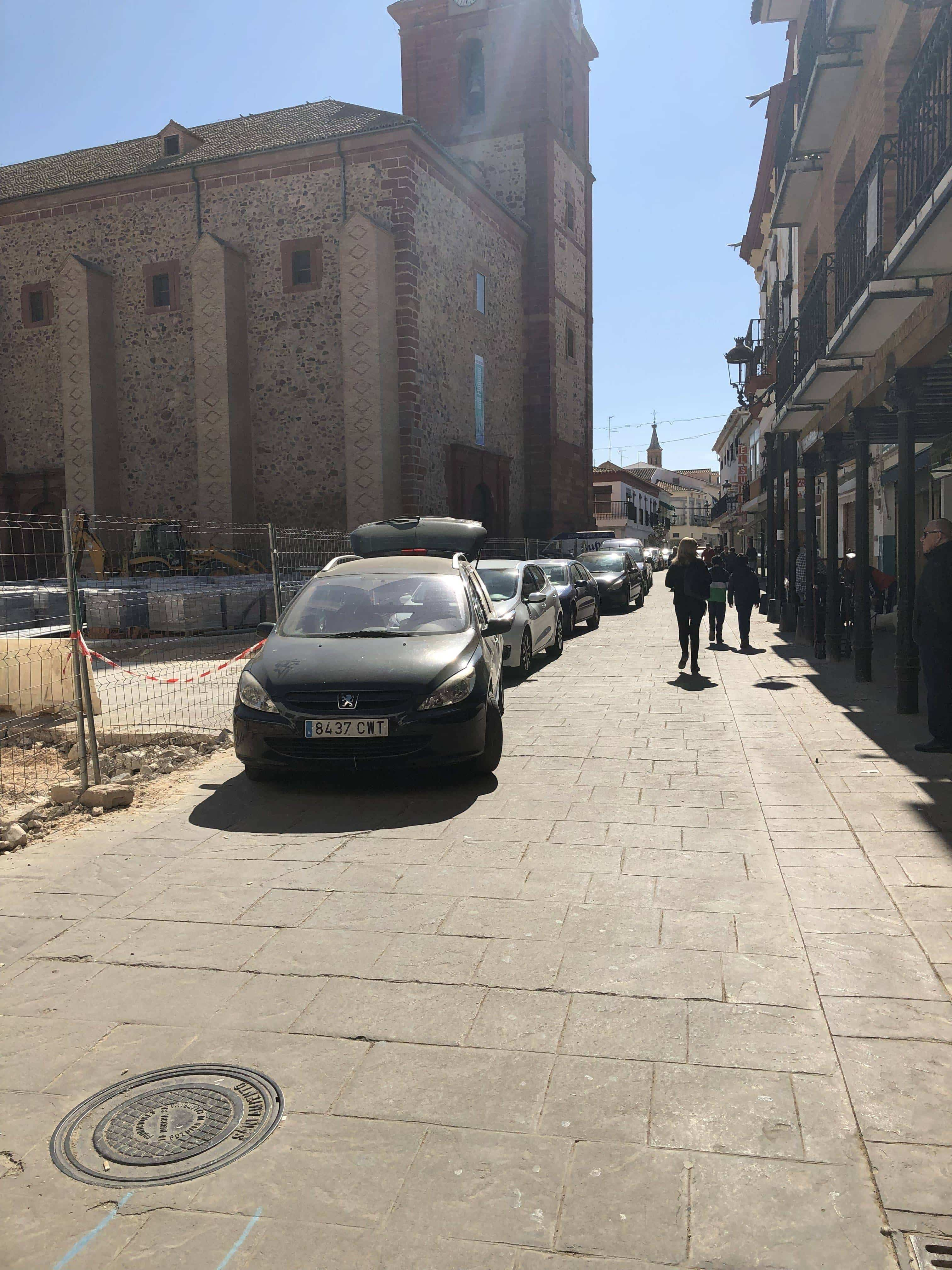 parking en la plaza espana herencia e1551608101195 - Comienzan las obras en la Calle Lope de Vega