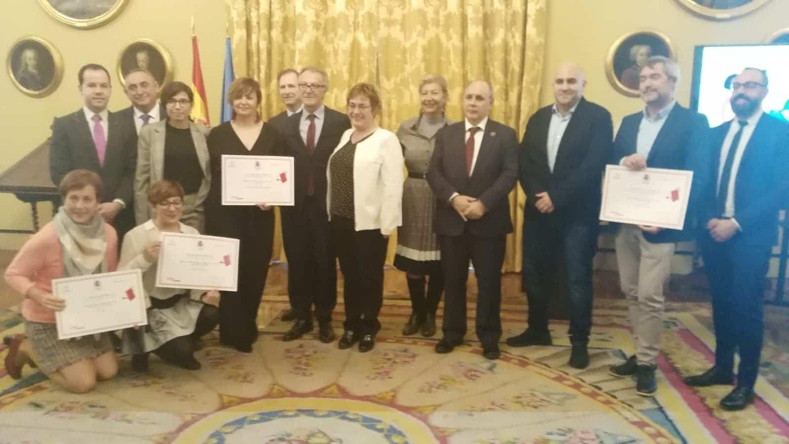 La Biblioteca Pública Miguel de Cervantes recibe el premio María Moliner