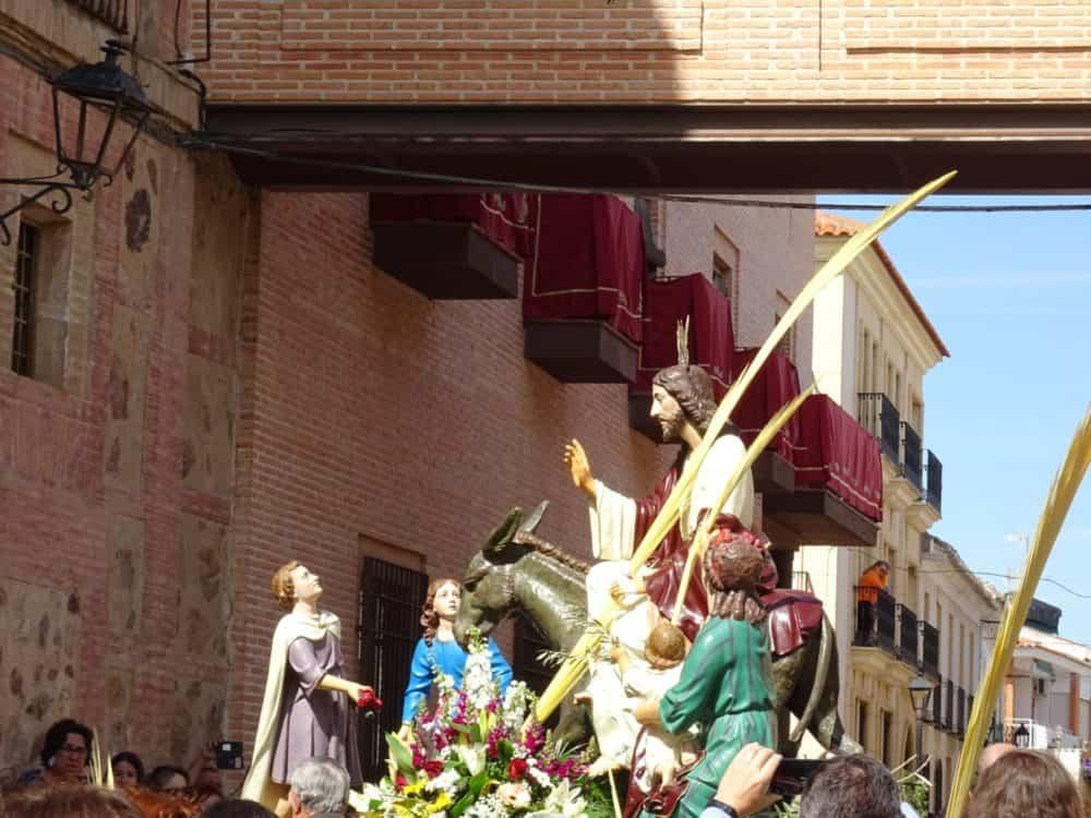 09Procesion de la Borriquilla del Domingo de Ramos en Herencia Foto Mari Carmen Fdez Caballero 1000x750 - Buen tiempo y devoción, en la celebración del Domingo de Ramos