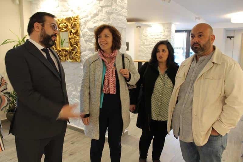Pedro Lozano reabre el restaurante del hotel Barataria - Pedro Lozano y Rosa Gallego reabren el restaurante del hotel Barataria en Alcázar de San Juan