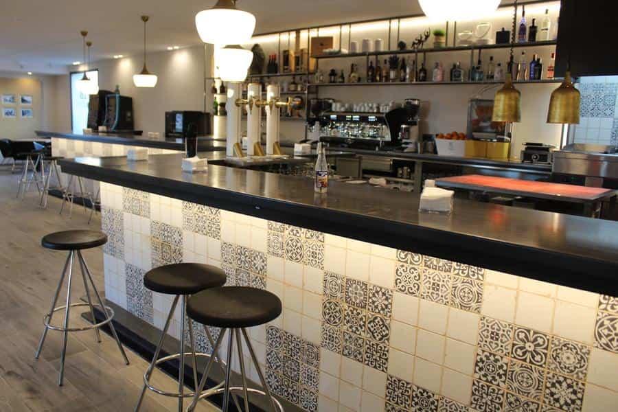 Pedro Lozano y Rosa Gallego reabren el restaurante del hotel Barataria en Alcázar de San Juan 6