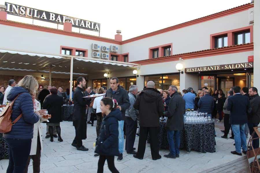 Pedro Lozano y Rosa Gallego reabren el restaurante del hotel Barataria en Alcázar de San Juan 2