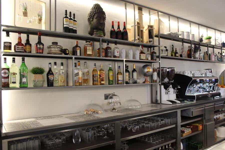 Pedro Lozano y Rosa Gallego reabren el restaurante del hotel Barataria en Alcázar de San Juan 4