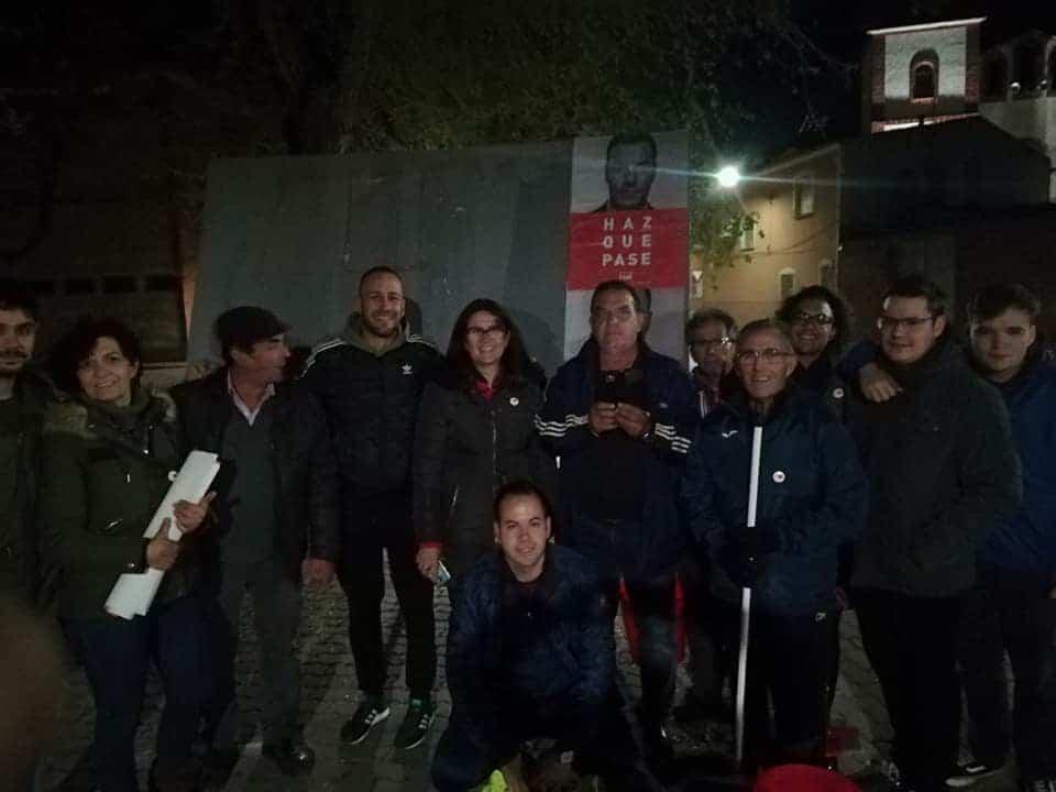 Varios partidos políticos inician en Herencia la campaña electoral del 28A con la pegada de carteles y otros actos 2