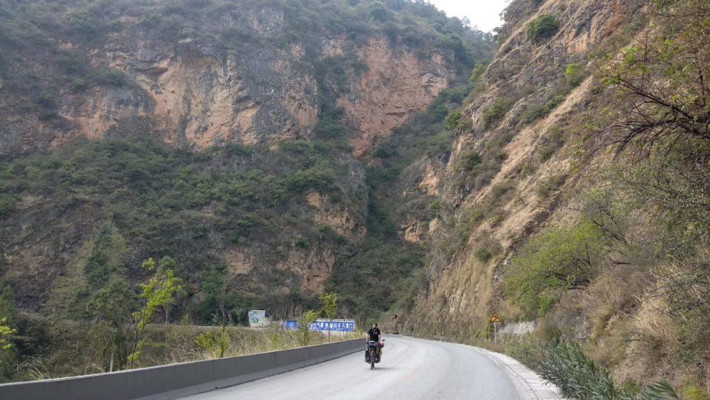Perlé atravesando China hacia el Tíbet 19