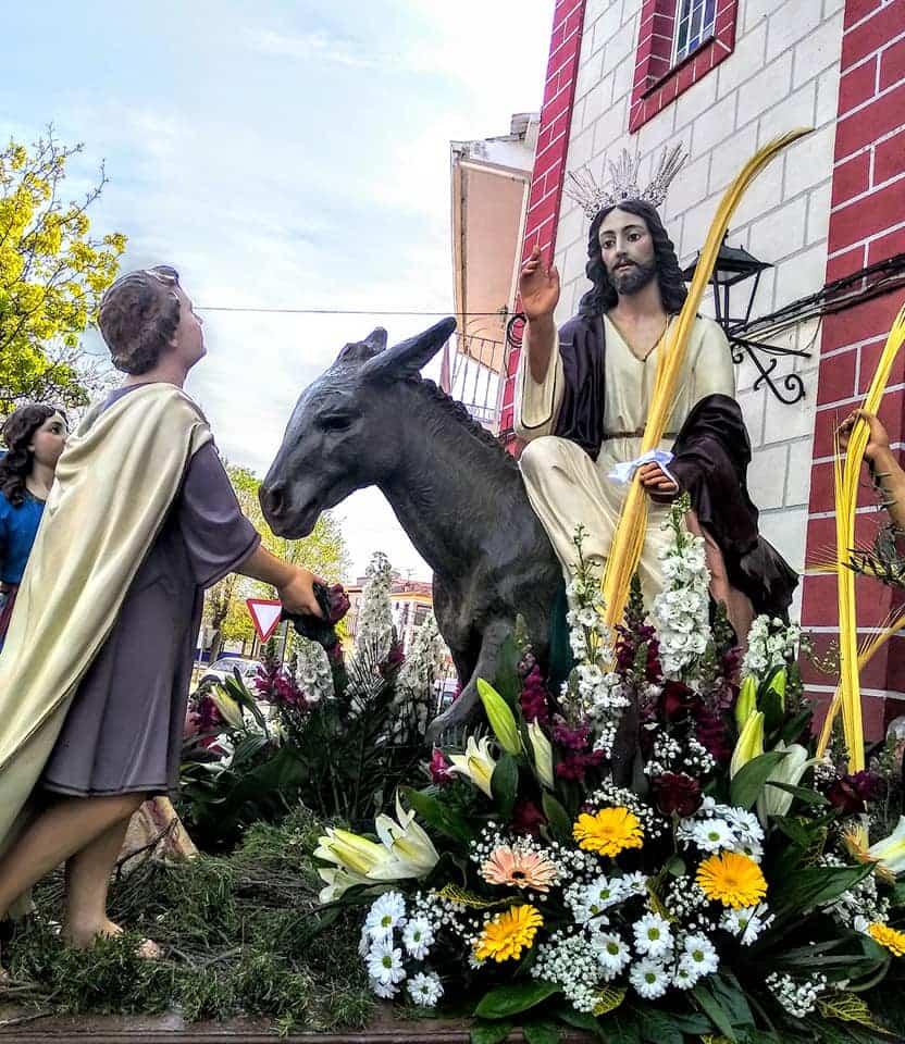 Procesion de la Borriquilla del Domingo de Ramos en Herencia Foto Facebook Parroquia de Herencia00 1 - Buen tiempo y devoción, en la celebración del Domingo de Ramos