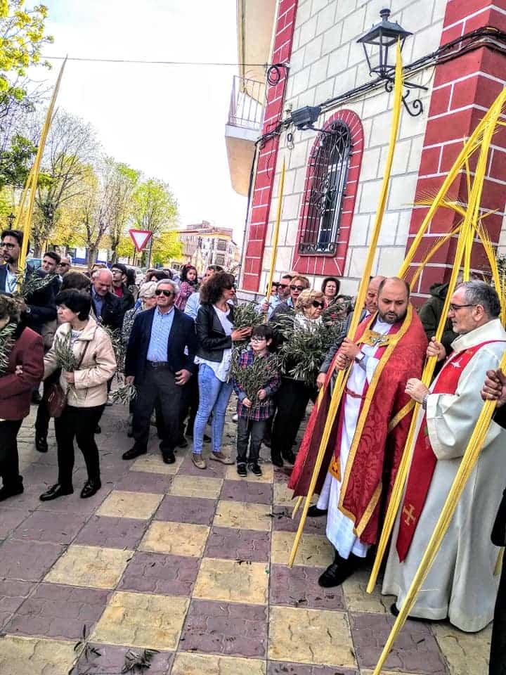 Procesion de la Borriquilla del Domingo de Ramos en Herencia Foto Facebook Parroquia de Herencia08 1 - Buen tiempo y devoción, en la celebración del Domingo de Ramos