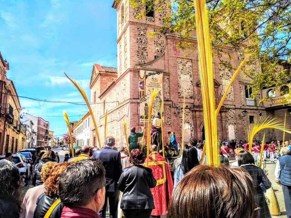 Procesion de la Borriquilla del Domingo de Ramos en Herencia Foto Facebook Parroquia de Herencia10 1 - Buen tiempo y devoción, en la celebración del Domingo de Ramos