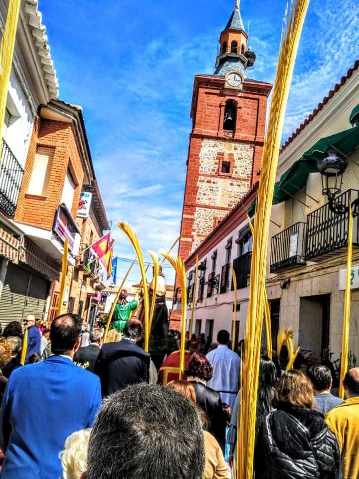 Procesion de la Borriquilla del Domingo de Ramos en Herencia Foto Facebook Parroquia de Herencia13 1 - Buen tiempo y devoción, en la celebración del Domingo de Ramos