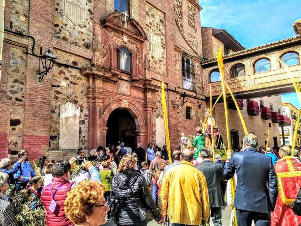 Procesion de la Borriquilla del Domingo de Ramos en Herencia Foto Facebook Parroquia de Herencia14 1 - Buen tiempo y devoción, en la celebración del Domingo de Ramos