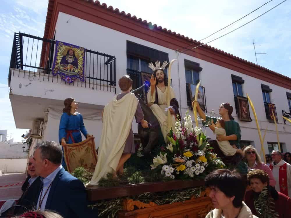 Procesion de la Borriquilla del Domingo de Ramos en Herencia Foto Mari Carmen Fdez Caballero03 1000x750 - Buen tiempo y devoción, en la celebración del Domingo de Ramos