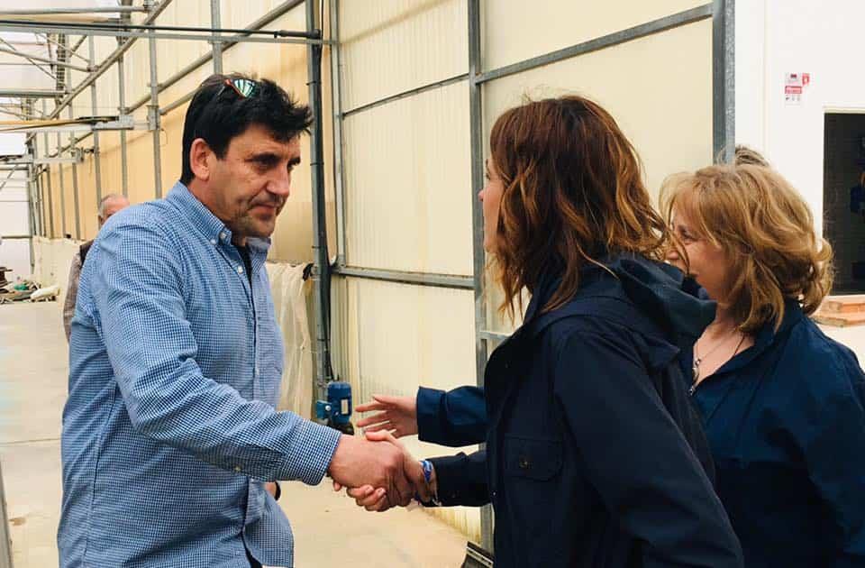 Rosa Romero visita una empresa de Herencia 3