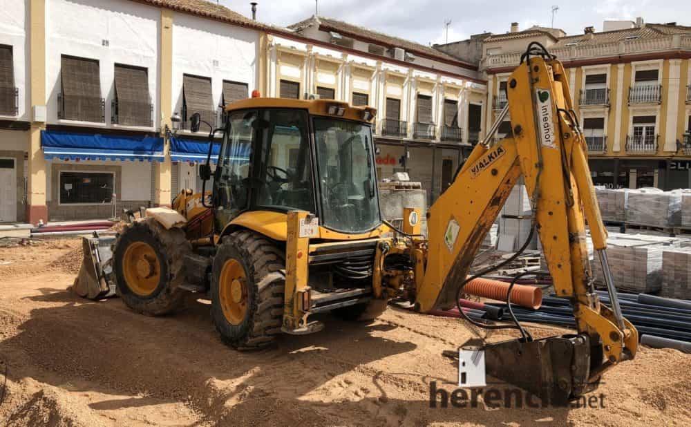continuan obras plaza espana y calles en herencia 11 1000x618 - Continuan los obras de la Plaza de España y alrededores