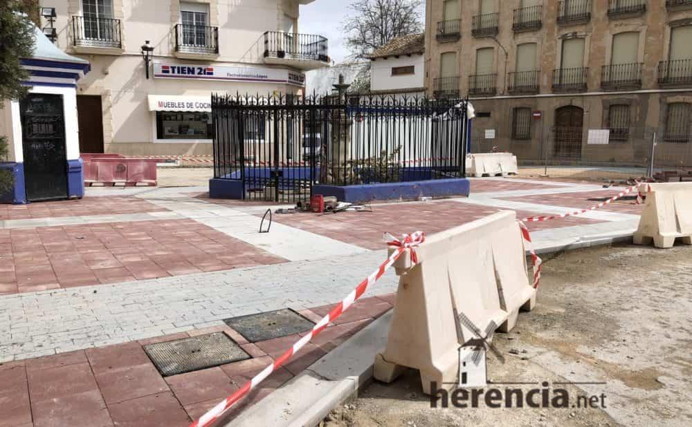 continuan obras plaza espana y calles en herencia 12 1000x618 - Continuan los obras de la Plaza de España y alrededores