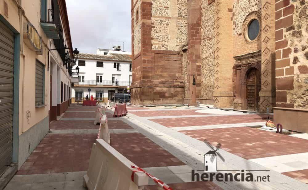 continuan obras plaza espana y calles en herencia 18 1000x618 - Continuan los obras de la Plaza de España y alrededores
