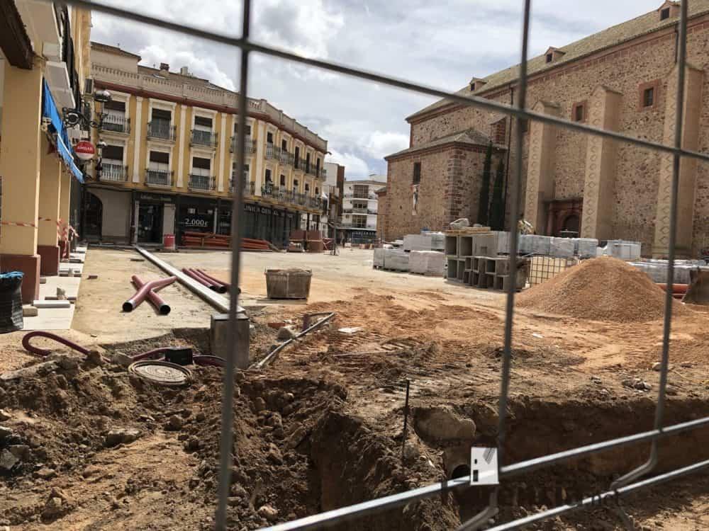 Obras en la Plaza de España en Herencia (Ciudad Real).