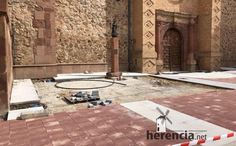 continuan obras plaza espana y calles en herencia 8 1000x618 - Continuan los obras de la Plaza de España y alrededores
