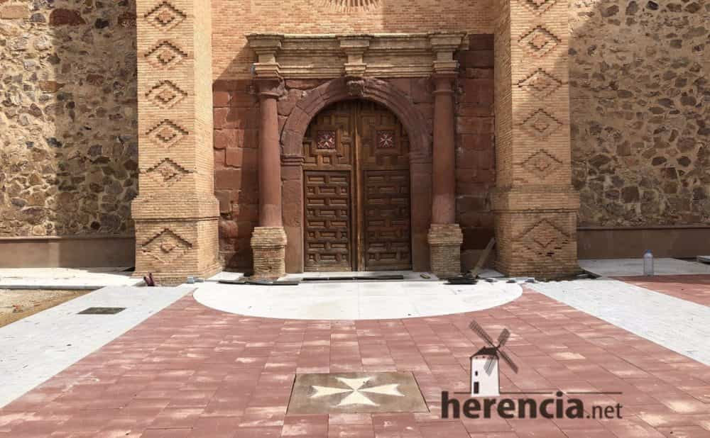 continuan obras plaza espana y calles en herencia 9 1000x618 - Continuan los obras de la Plaza de España y alrededores
