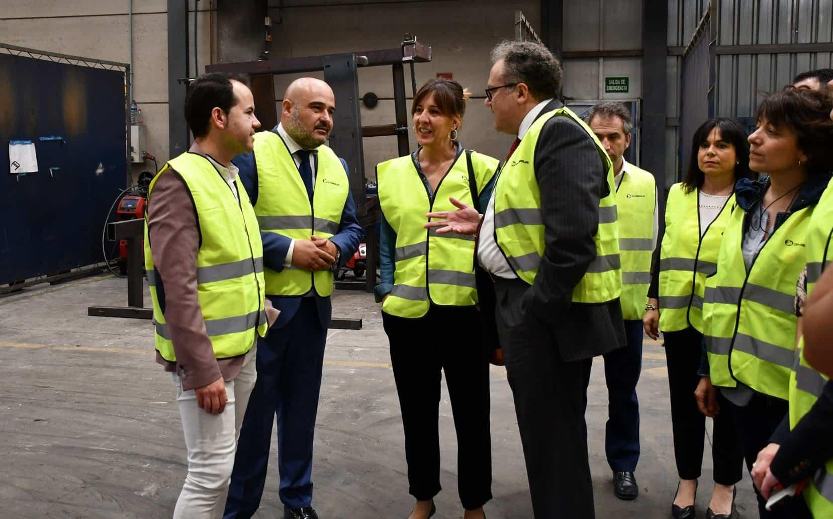 BLANCA  VISITA EMPRESA DE HERENCIA 1 - La diputada electa, Blanca Fernández y Sergio García-Navas visitan Divisegur