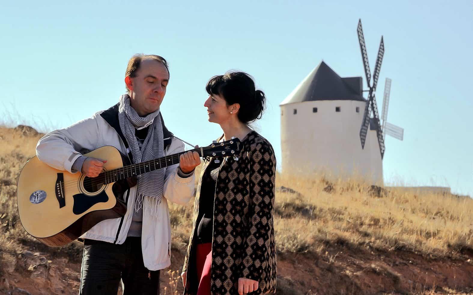 Cis Adar Miguel y Mariavi 1 - Concierto de Cis Adar en Villacañas