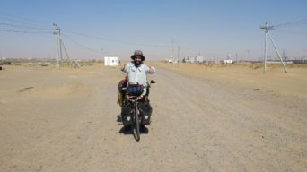 Perlé atravesando el desierto del Gobi hasta Ulan Bator17